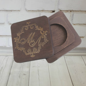 Деревянная шкатулка для колец на свадьбу