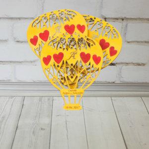 Деревянные приглашения на свадьбу с гравировкой