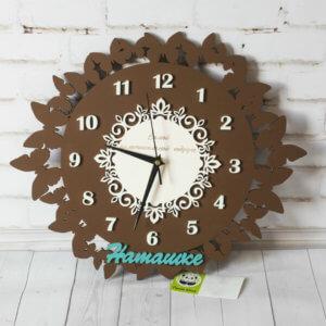 Декоративные часы с бабочками