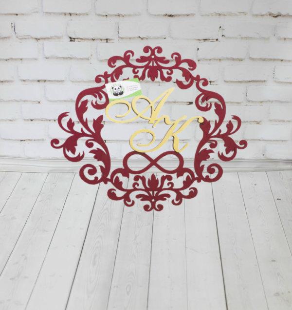 Герб из дерева с надписями