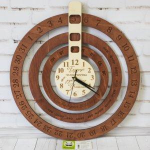 Деревянный вечный календарь часы