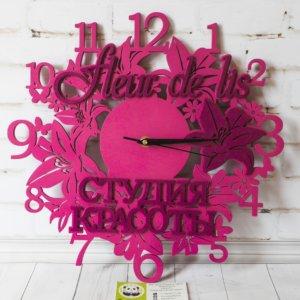 Деревянные часы с надписями